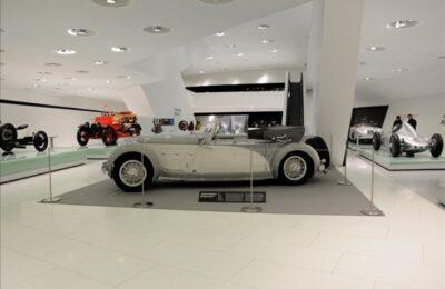 Système de mise à distance haute Absolute Museum au Porsche Museum.