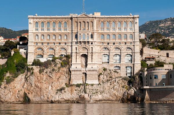 Le musée océanographique de Monaco sur son rocher © MOC